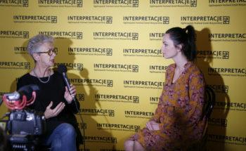 """Materiały video z festiwalu """"Interpretacje"""" – wywiad z Andą Rottenberg"""