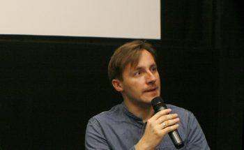 """Materiały video z festiwalu """"Interpetacje"""" – rozmowa z Januszem Łastowieckim"""